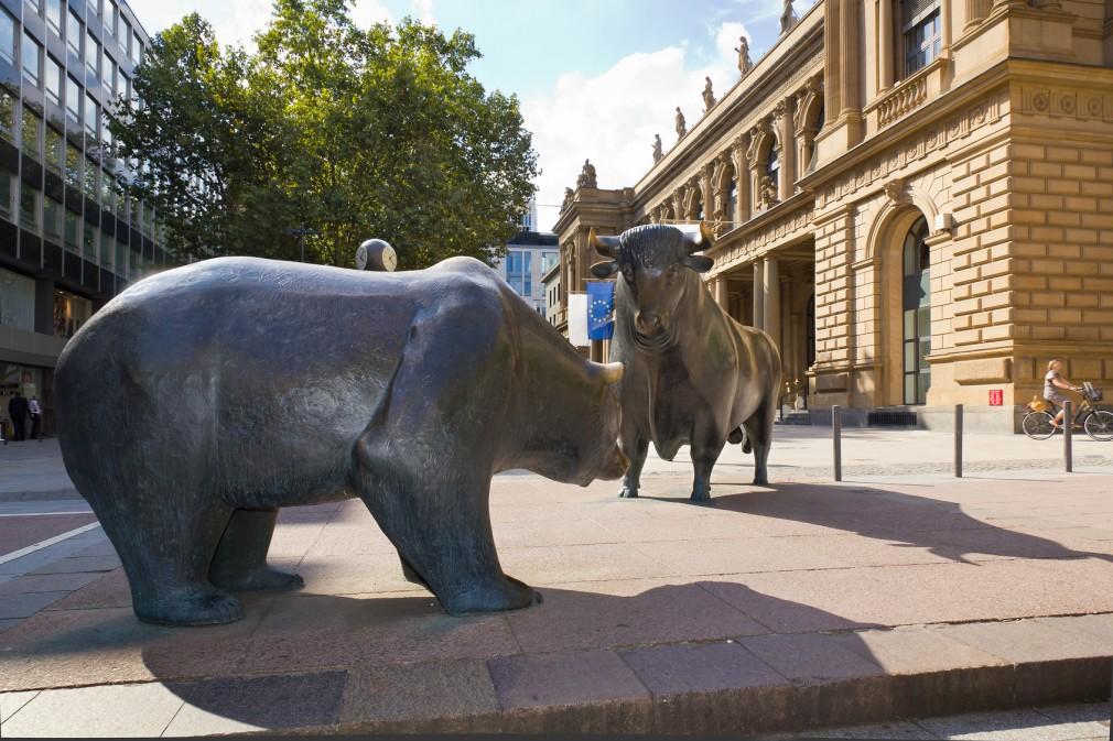 Börse in Frankfurt -  Bulle und Bär